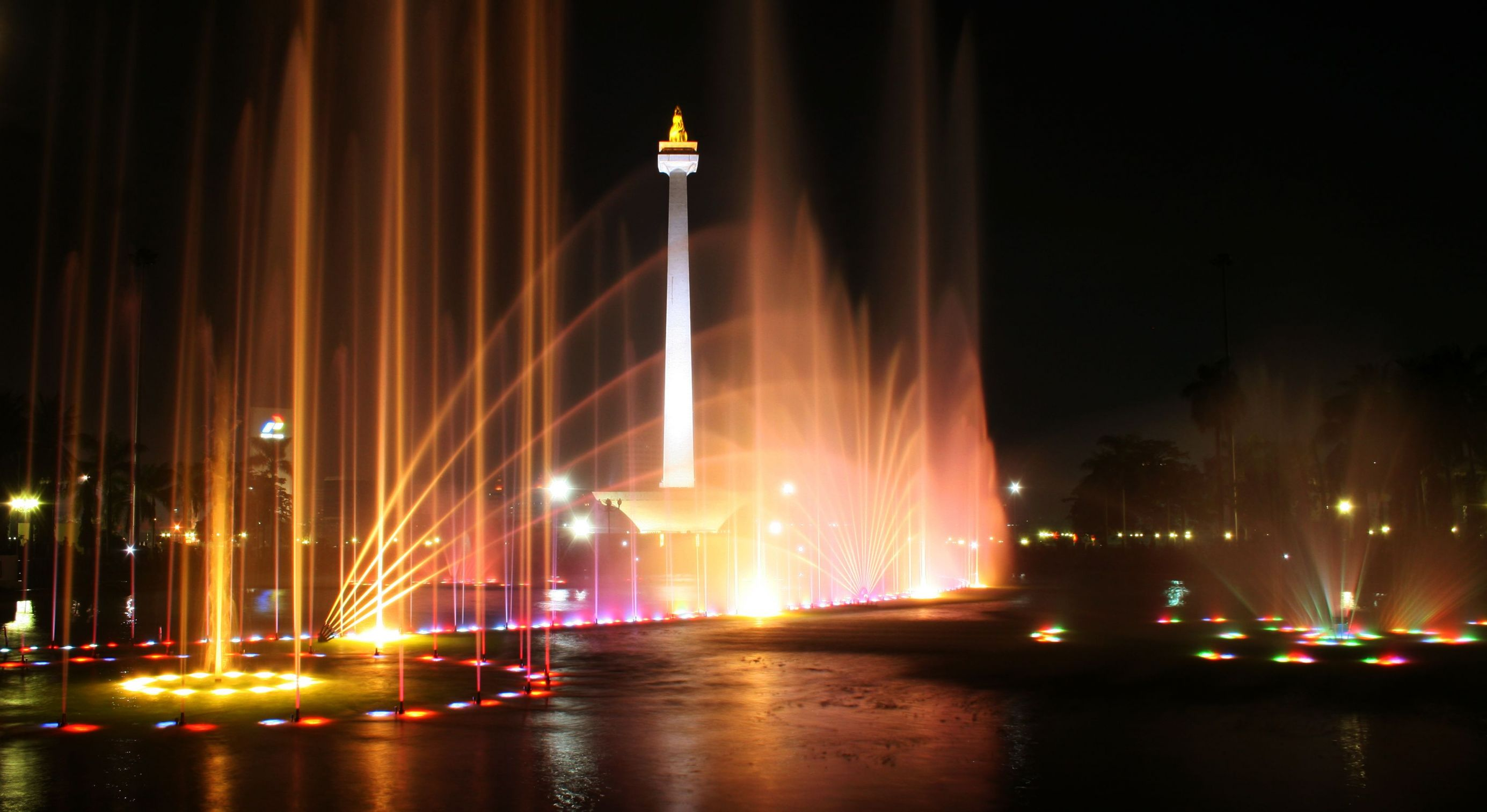 monas indonesia tours